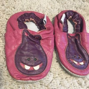 Baby girls size 6-12 months hippo moccasins